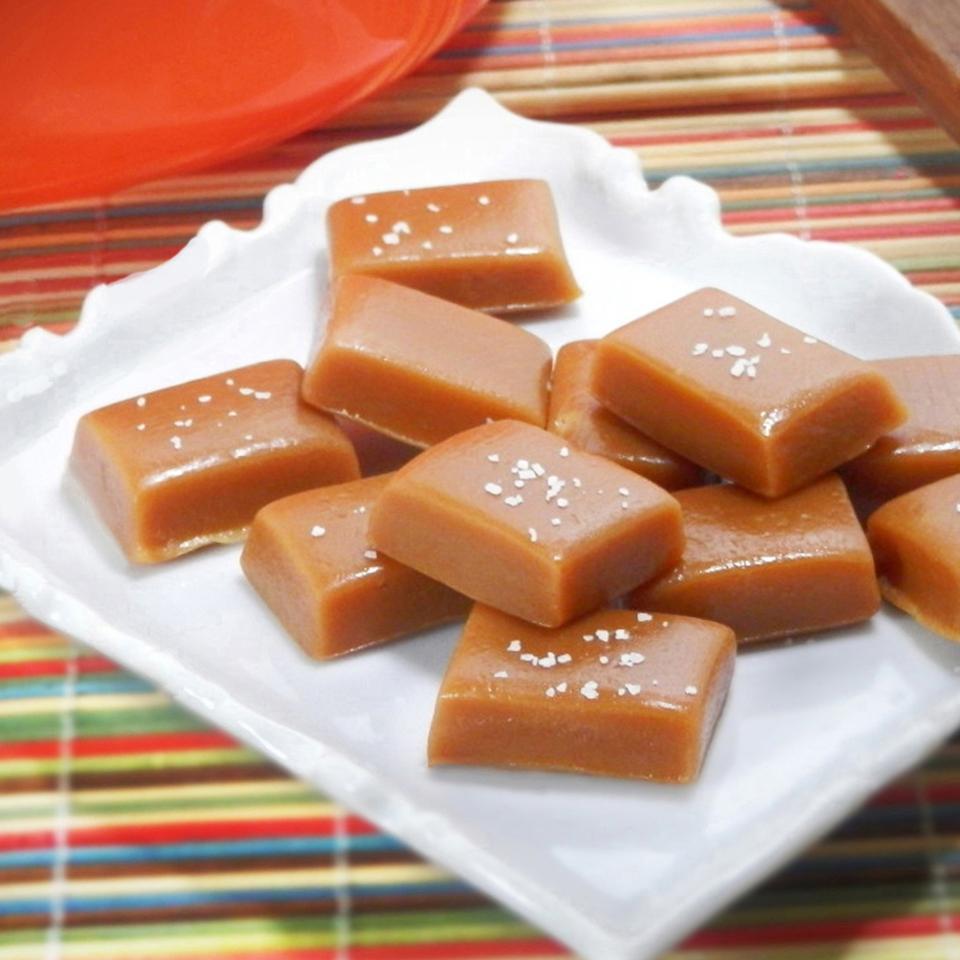خرید تافی دلوار Delvar Chocolate از کارخانه